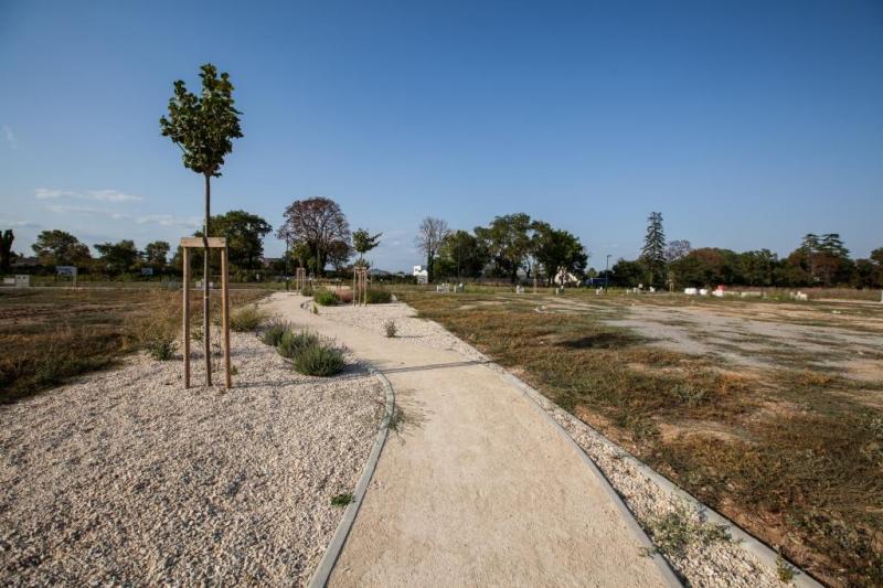 Free terrain batir lunelviel acheter terrain le domaine de for Terrain pour construire